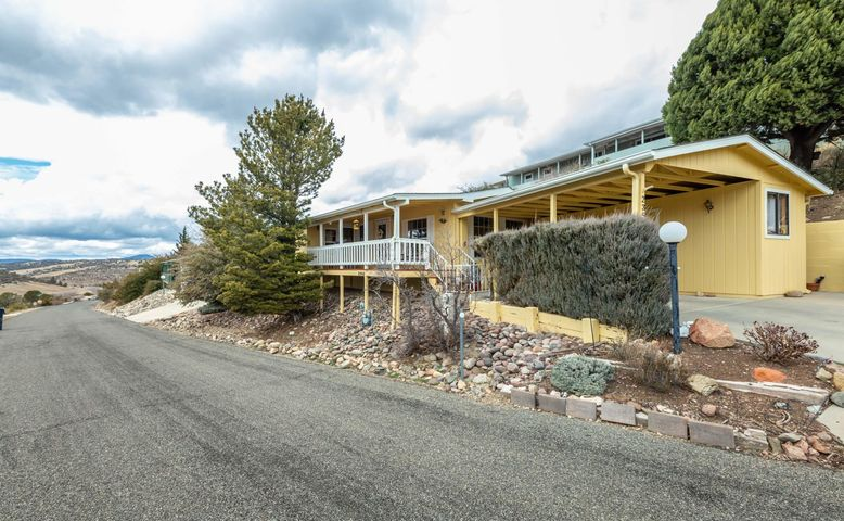 2352 Hillside Loop Road, Prescott, AZ 86301