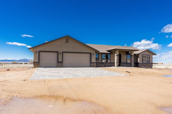 11300 N Retriever Lane, Prescott Valley, AZ 86315