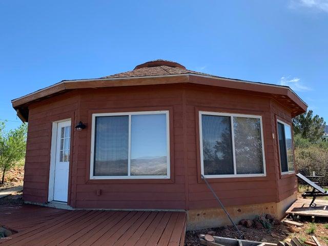 670 S Glendun Place, Dewey-Humboldt, AZ 86327