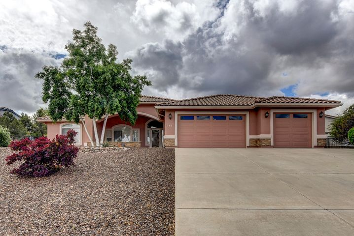 Pinon Oaks is an exceptional sought after community, Close to all desired amenities. Sloped driveway very easy to navigate.