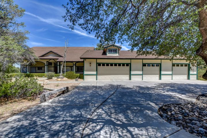 8610 N Oak Forest Drive, Prescott, AZ 86305