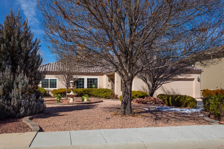 Antelope Hills Golf Course Property located on te 8th fairway. WELCOME HOME