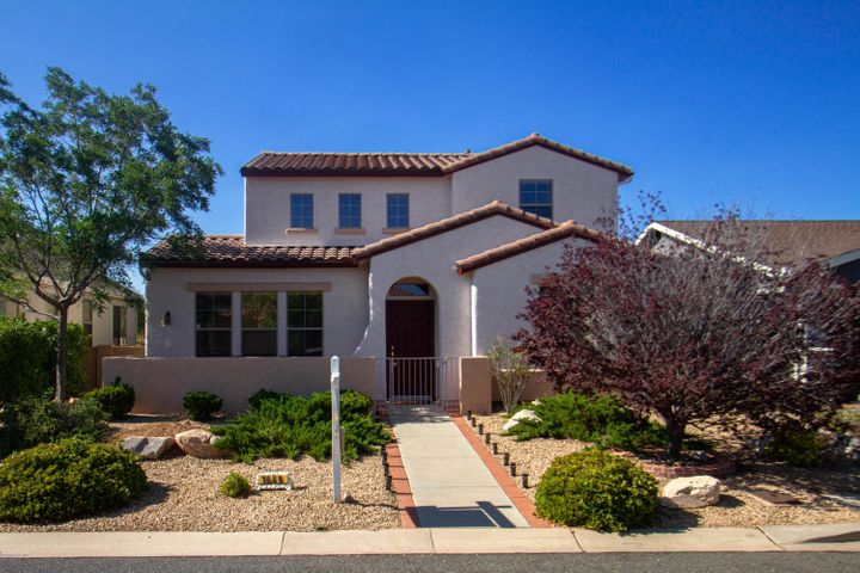 Beautiful Stoneridge family home for sale in Prescott Valley, Arizona! Brand New Exterior Paint 6-14-2020