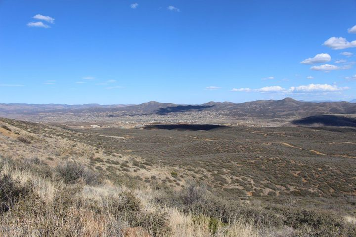 11062 Iron King Road, Dewey-Humboldt, AZ 86327