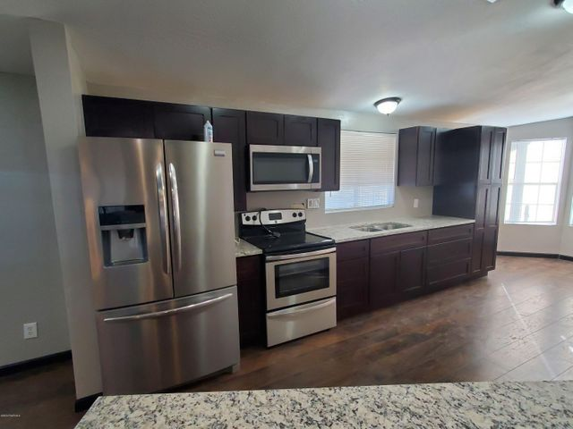 Custom cabinets with granite counters