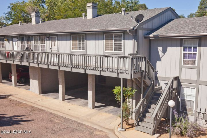 Cute townhouse within walking distance to Historic Downtown Prescott