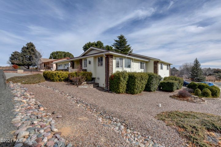 801 Hopi Trail, Dewey-Humboldt, AZ 86327