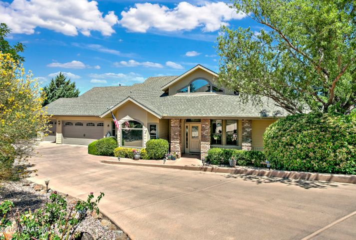 A captivating home with great curb appeal to welcome you home. Southwest facing exposure is a beneficial feature on snow days!