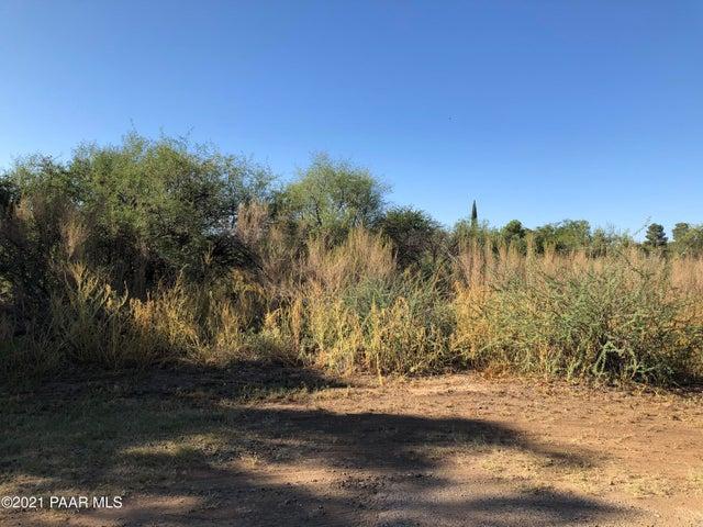 17203 E Trails End Road, Mayer, AZ 86333