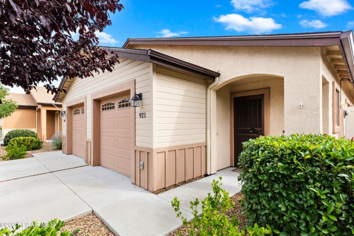 921 Gail Gardner Way, Prescott, AZ 86305