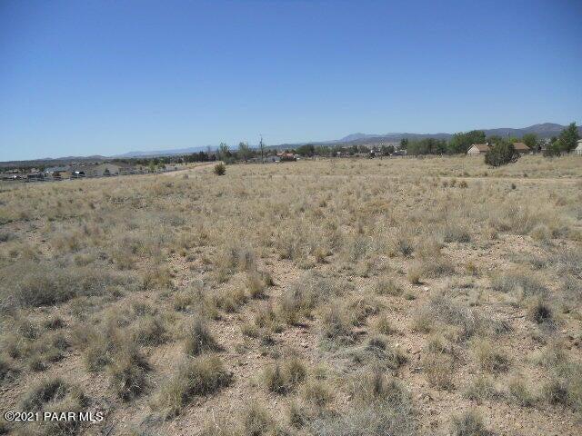 25750 N Lily Drive, Paulden, AZ 86334