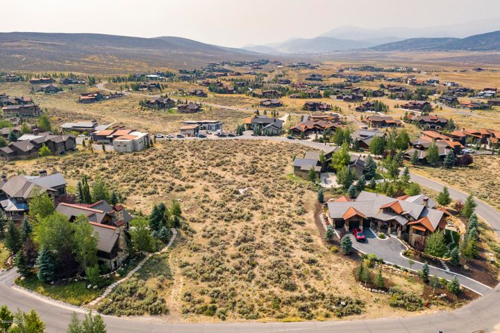 Own your piece of Promontory, one of Park City's best private communities. This homesite is in an established neighborhood, with green parks, hiking trails, and tons of family friendly amenities, like pools, golf courses, the Beach Club, and the Shed. This easy build site is relatively flat, and has a generous building envelope. Come experience the Promontory lifestyle, with friendly neighbors, open space, and room to roam.