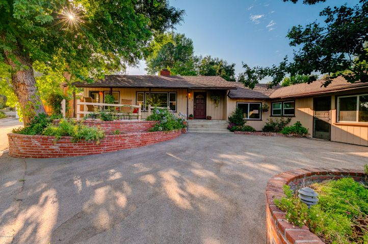 835 Old Landmark Lane, La Canada Flintridge, CA 91011