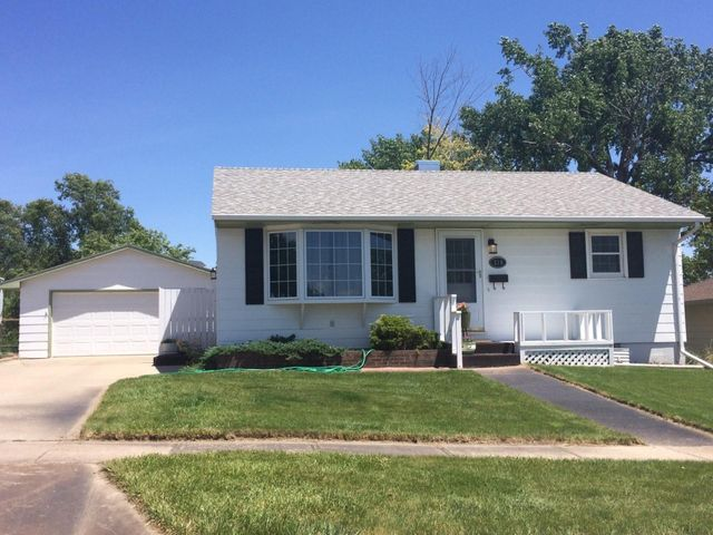 310 N Tyler Ave, Pierre, SD 57501