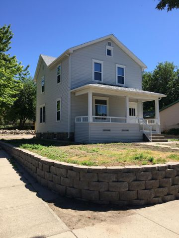324 W Pleasant Dr, Pierre, SD 57501