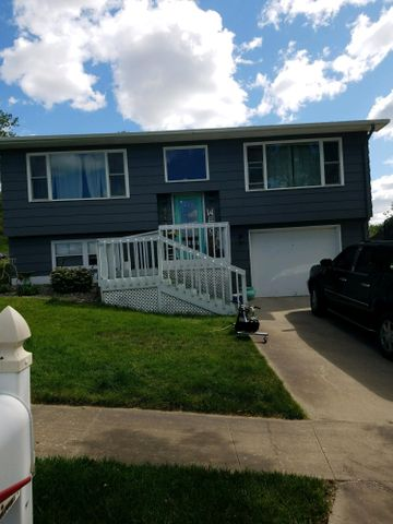 714 N Taylor Ave, Pierre, SD 57501