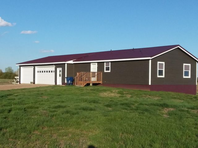 402 Speckle Belly Dr, Pierre, SD 57501