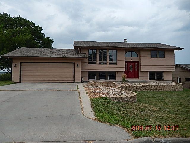Large home with Missouri River views.