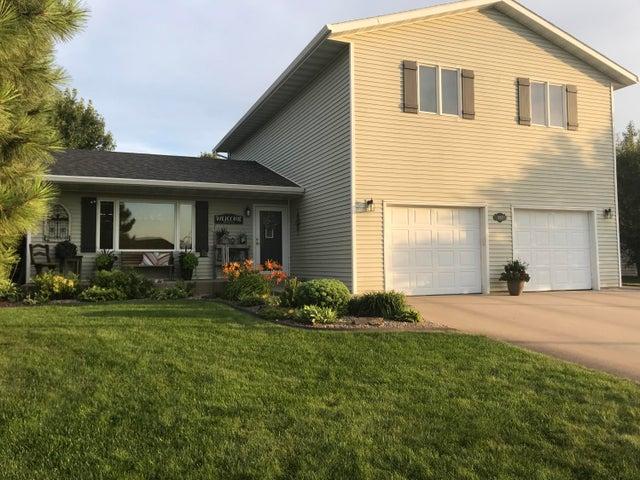 907 Winchester Drive, Pierre, SD 57501