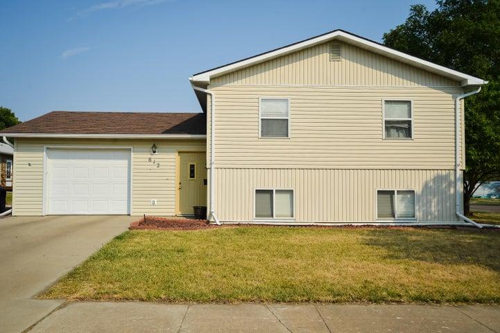 612 S Harrison Ave, Pierre, SD 57501