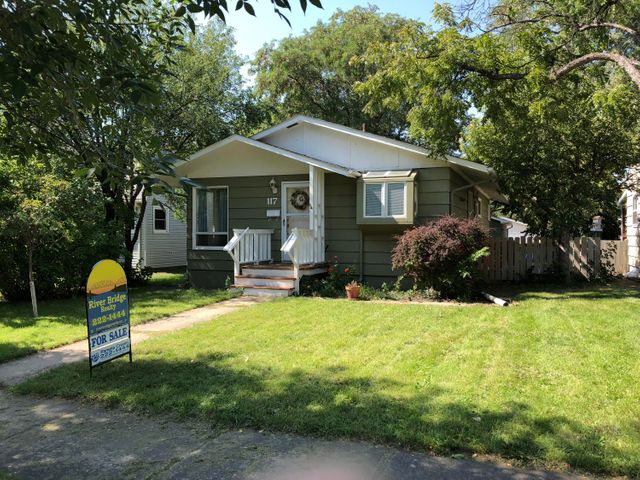 117 S Madison Ave, Pierre, SD 57501