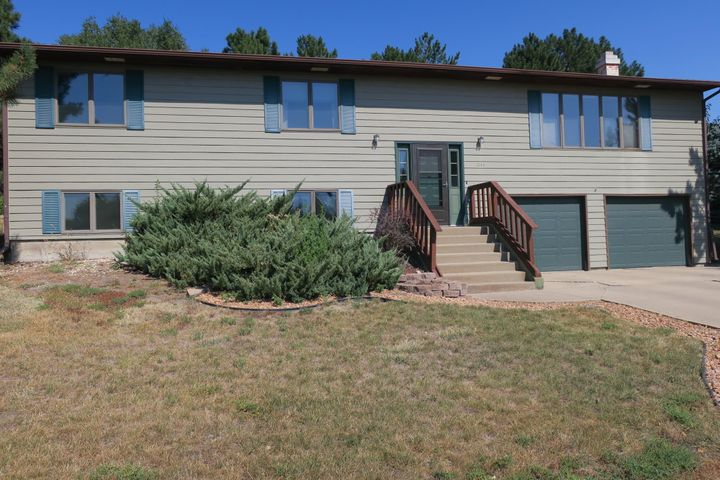 1144 W Capitol Ave, Pierre, SD 57501