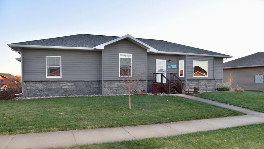 1963 Vista Loop, Pierre, SD 57501