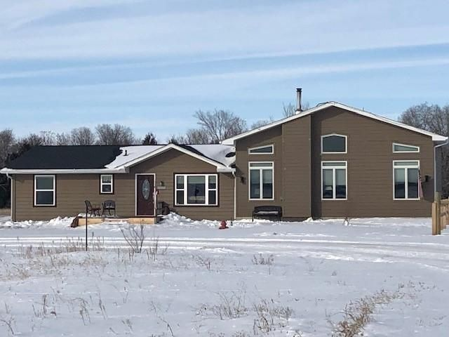 316 Golden Meadows, Pierre, SD 57501