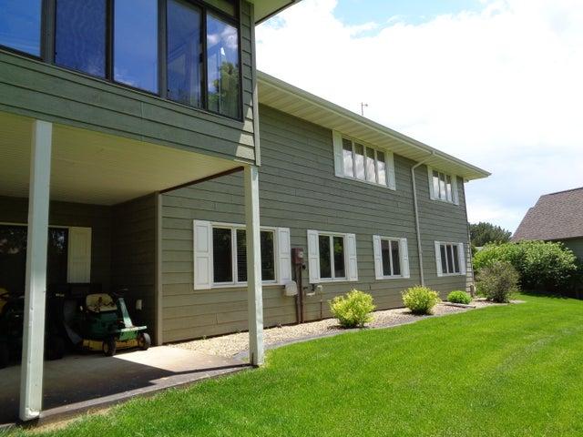 1127 Lakewood Drive, Pierre, SD 57501