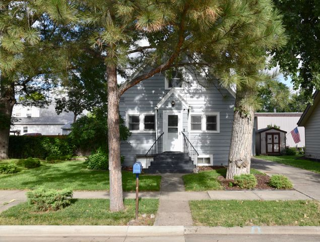 108 S Jefferson Avenue, Pierre, SD 57501