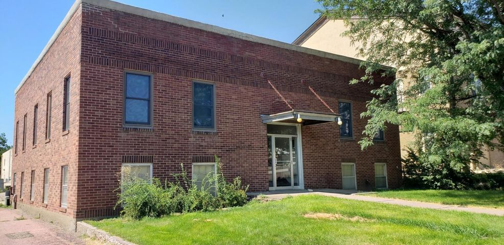 111 S Huron Avenue, ave, Pierre, SD 57501