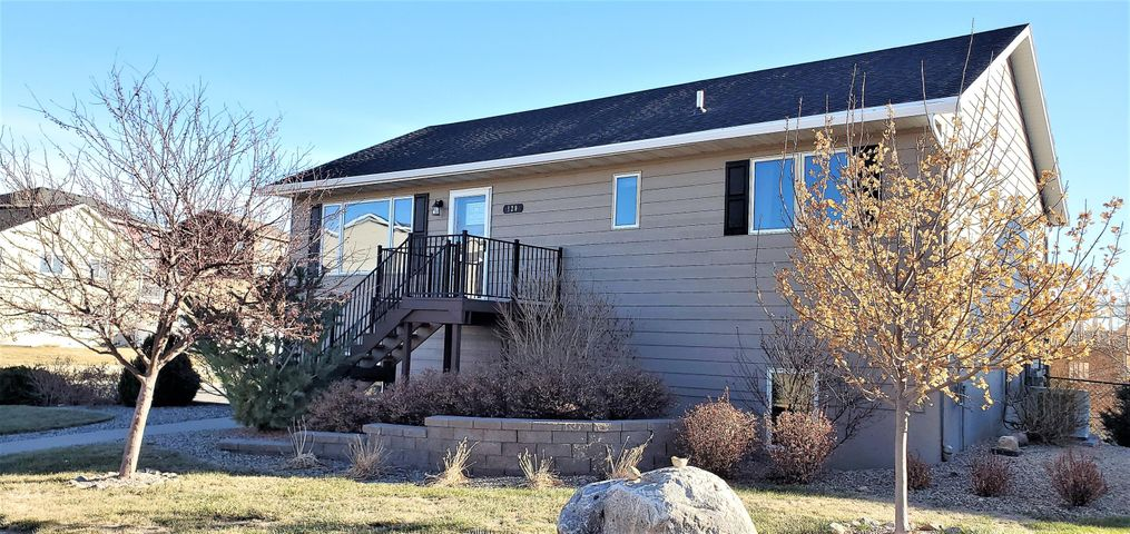 120 River Rim Drive, Pierre, SD 57501