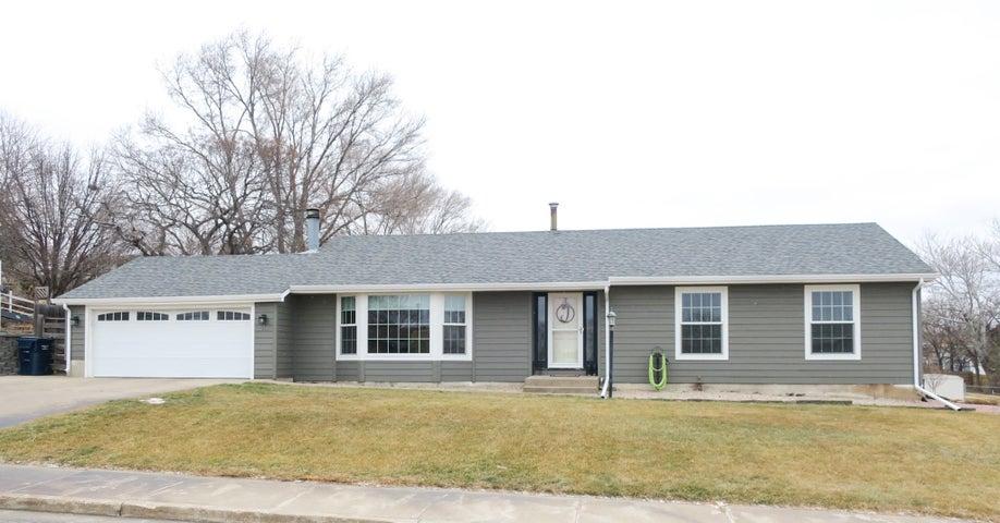 614 N Maple Avenue, Pierre, SD 57501