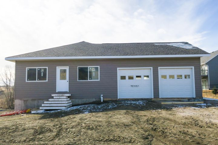 729 Country Drive, Pierre, SD 57501