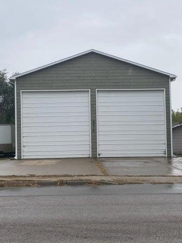 2215 E Dakota Avenue, Pierre, SD 57501