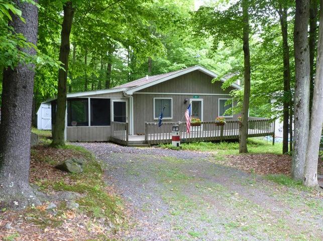 457 Maxatawny Dr, Pocono Lake, PA 18347