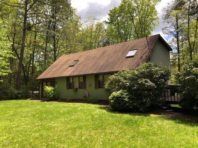 364 Lake Dr, Nesquehoning, PA 18240