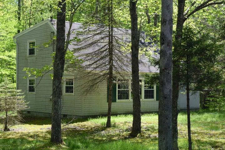 148 Selig Rd, Pocono Lake, PA 18347
