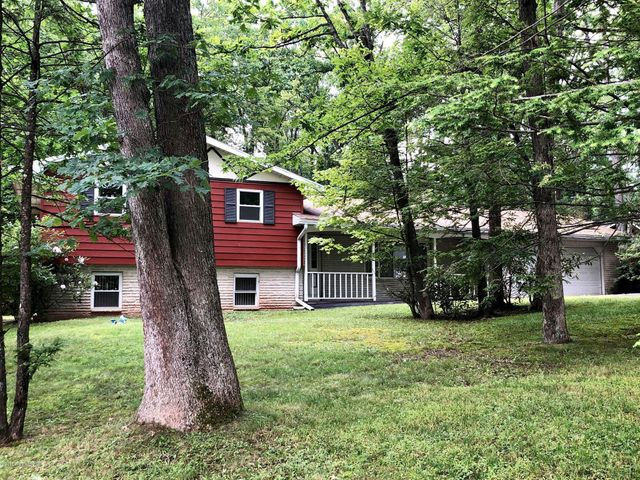 3 Acorn Dr, Nesquehoning, PA 18240