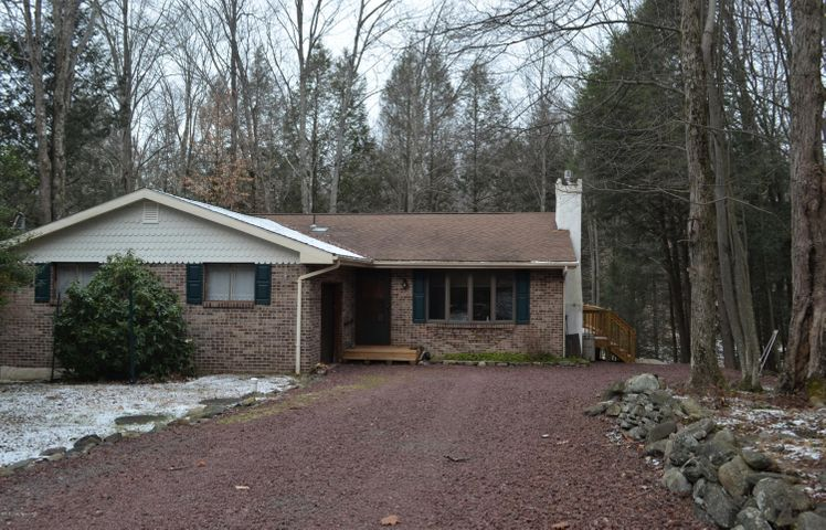 1175 Kinta Cir, Pocono Lake, PA 18347