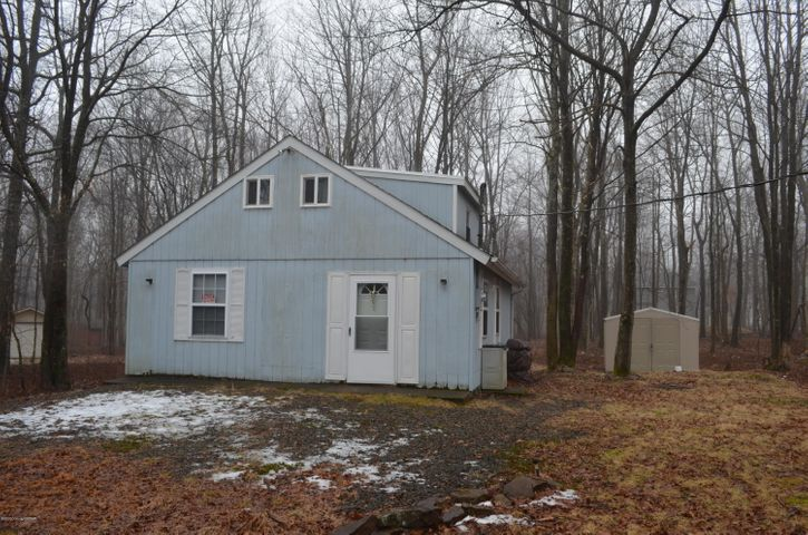 262 Schochs Mill Rd, Blakeslee, PA 18610