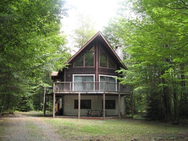 115 Camelot Dr, Pocono Lake, PA 18347