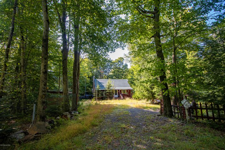 52 Silver Cloud Path, Gouldsboro, PA 18424