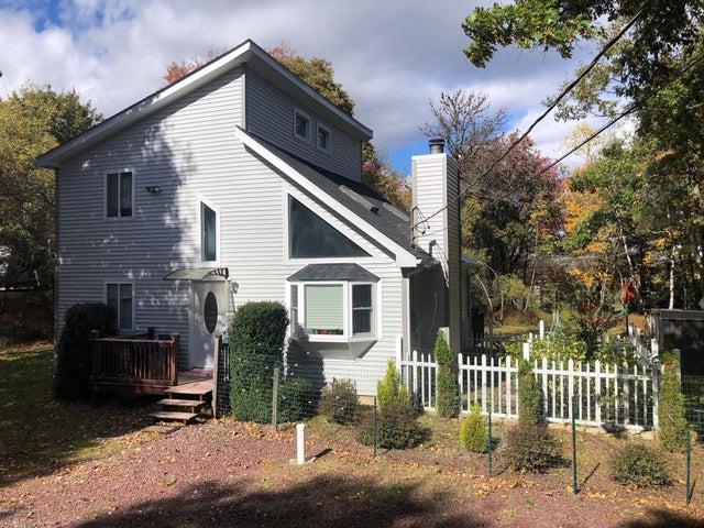 223 Sage Rd, Long Pond, PA 18334