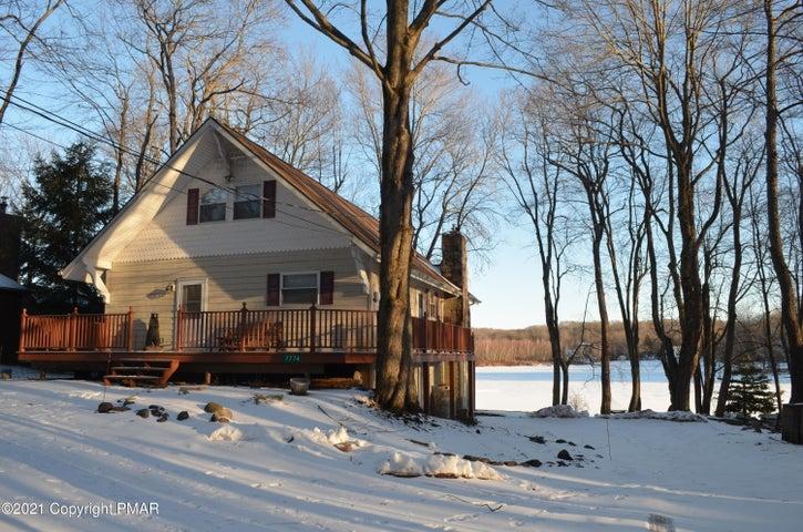 7774 Lakeshore Dr, Pocono Lake, PA 18347