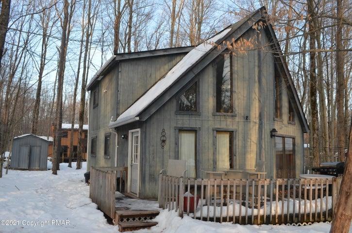 1113 Wiconisco Dr, Pocono Lake, PA 18347