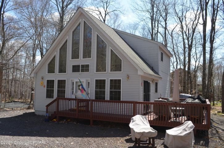 4123 Winona Dr, Pocono Lake, PA 18347