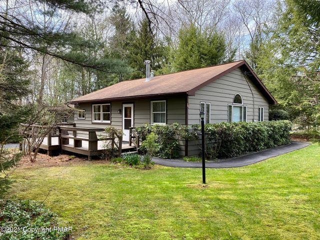 106 Colony Dr, Blakeslee, PA 18601