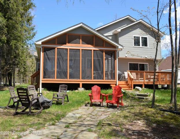114 Trout Creek Dr, Pocono Lake, PA 18347