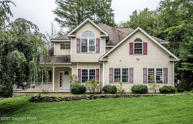 7145 Moss Dr, Swiftwater, PA 18370